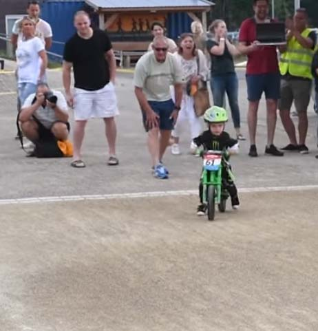 Have You Seen This? Toddler teaches shocked crowd about true sportsmanship