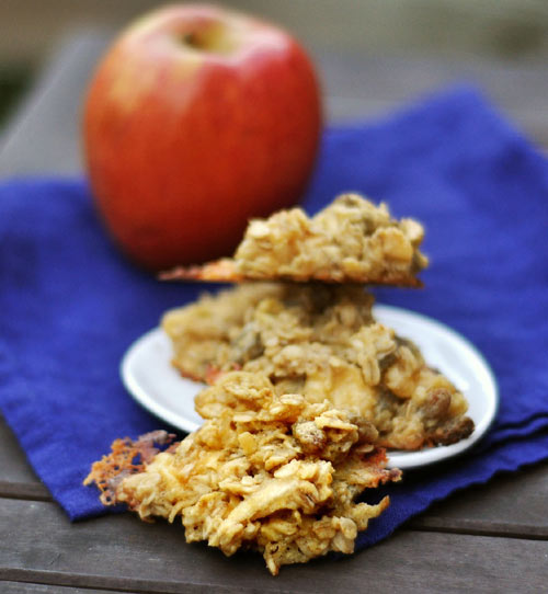 Cheese? In a cookie? Oh yes! Apple Gouda Oatmeal Cookies are Sweet and Savory in One Snack