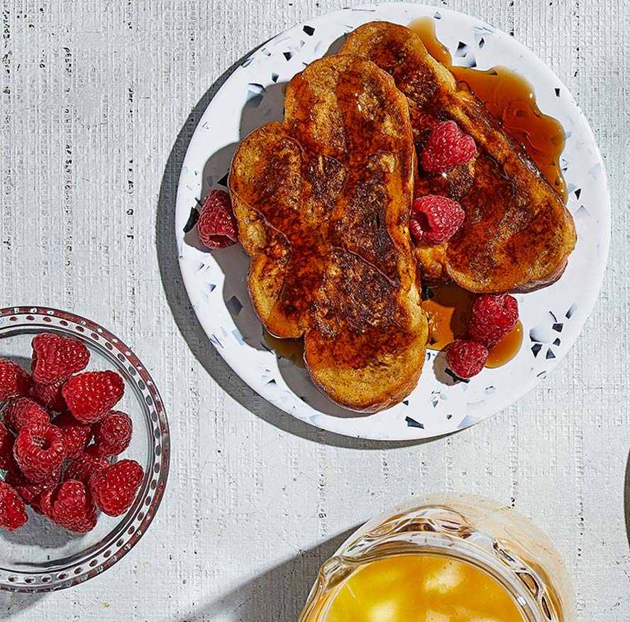 A cinnamon-scented French toast with a crispy nod to creme brulee