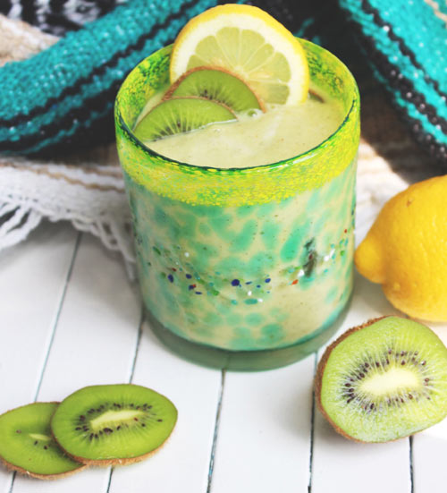 Creamy Coconut Kiwi Smoothie: Filling, healthy and bursting with flavor --- antioxidants, rich in fiber and potassium (think happy heart and healthy blood pressure)