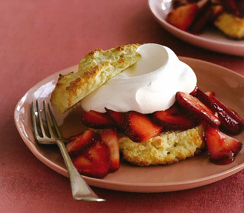 Short and Sweet: Enjoy Summer Fruit at Its Peak with Traditional Shortbread