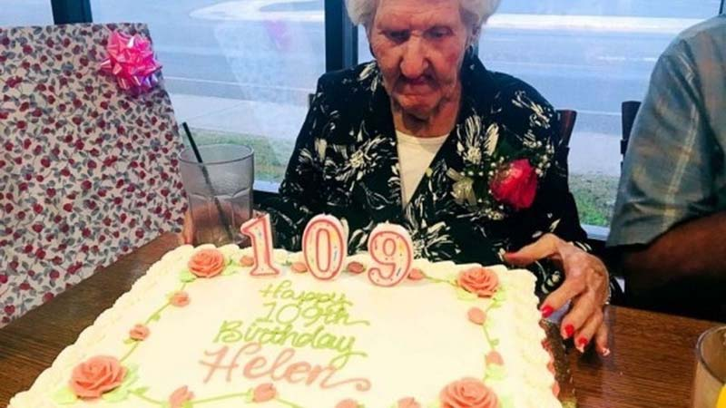A restaurant gave a discount to 109-year-old woman --- and ended up owing her money