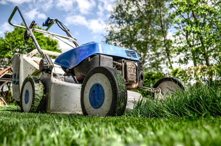 Meet the man who travels the country mowing lawns --- for free