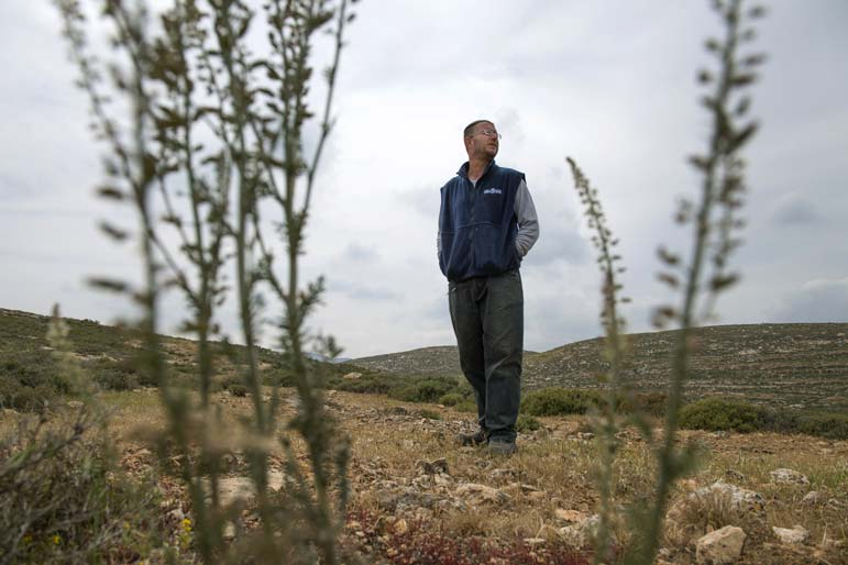 Evicted Israeli pioneers wait and wait for Netanyahu's promised new home